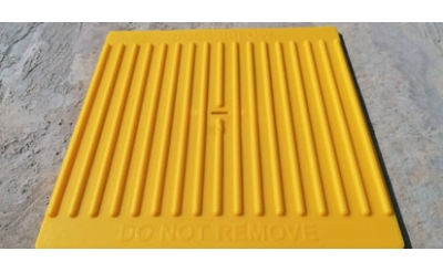 HI-VIS SMALL HOLE COVER - UP TO 200MM
